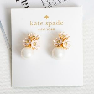 Kate Spade Loves me loves me not earings